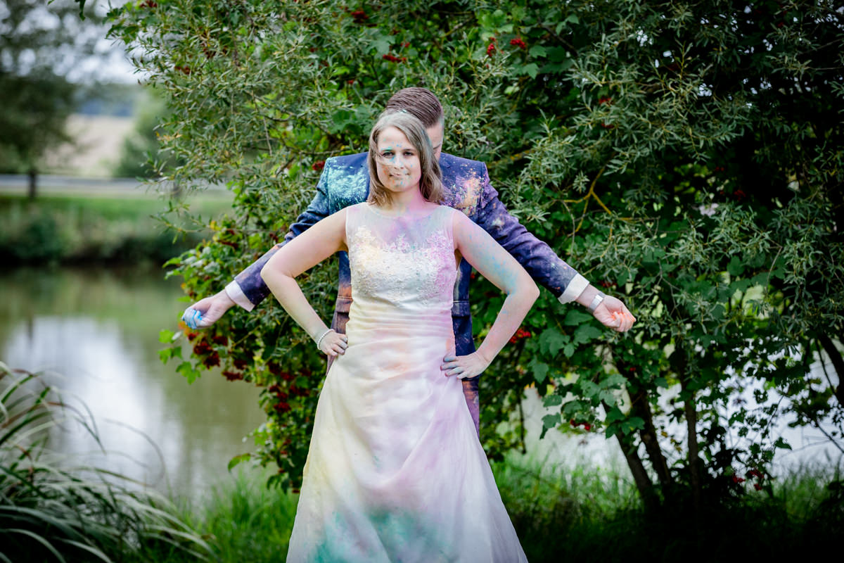 Trash the dress Shooting, Trash-the-Dress Shooting, Trashthedress Fotos, Holi Shooting, Afterwedding, After wedding Shooting Schweinfurt, Hochzeitsfotograf Schweinfurt, Fotografin, Fotografie, Wedding, maizucker, Paar-Fotoshooting, Franken, Bayern, Madenhausen