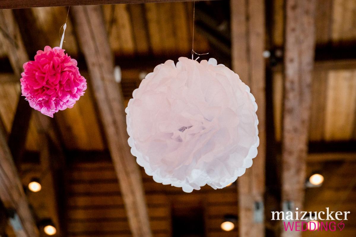 Wonfurt, Unterfranken, Fotografie, Hochzeitsbilder, Hochzeitsfotograf, Hochzeitsfotos, Hochzeitsreportage, professionelle Hochzeitsbilder, professioneller Hochzeitsfotograf, Wedding, maizuckerwedding, Location, Schmuck