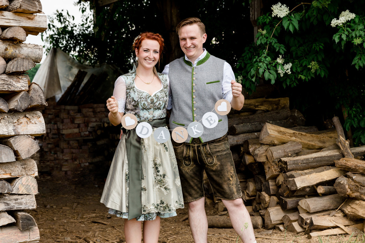 Trachtenhochzeit, Hochzeit in Grafenrheinfeld, Pia und Jan-Philip, Hochzeitsfotografin Daggi Binder, maizucker, Heiraten 2017