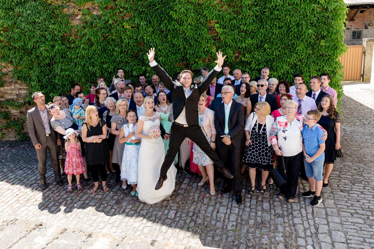 Hochzeit in Brünnstadt, Hochzeitsfotos Gerolzhofen, Hochzeitsfotograf Gerolzhofen, Hochzeitsfotograf Schweinfurt, Hochzeitsfotografin Daggi Binder, maizucker, Hochzeit 2017, Kirchliche Trauung, Fotografin, Fotografie, Wedding, maizucker, Paar-Fotoshootings, Franken, Bayern