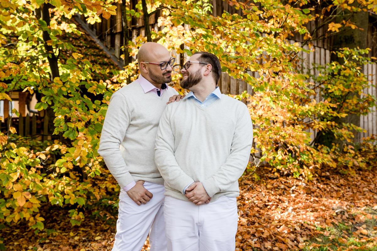 Buddhistische Segnung, Hochzeit Kulmbach, Waldkloster Muttodaya Stammbach, Gleichgeschlechtliche Ehe, Gaywedding, Hochzeitsreportage, Hochzeitsfotograf Gay