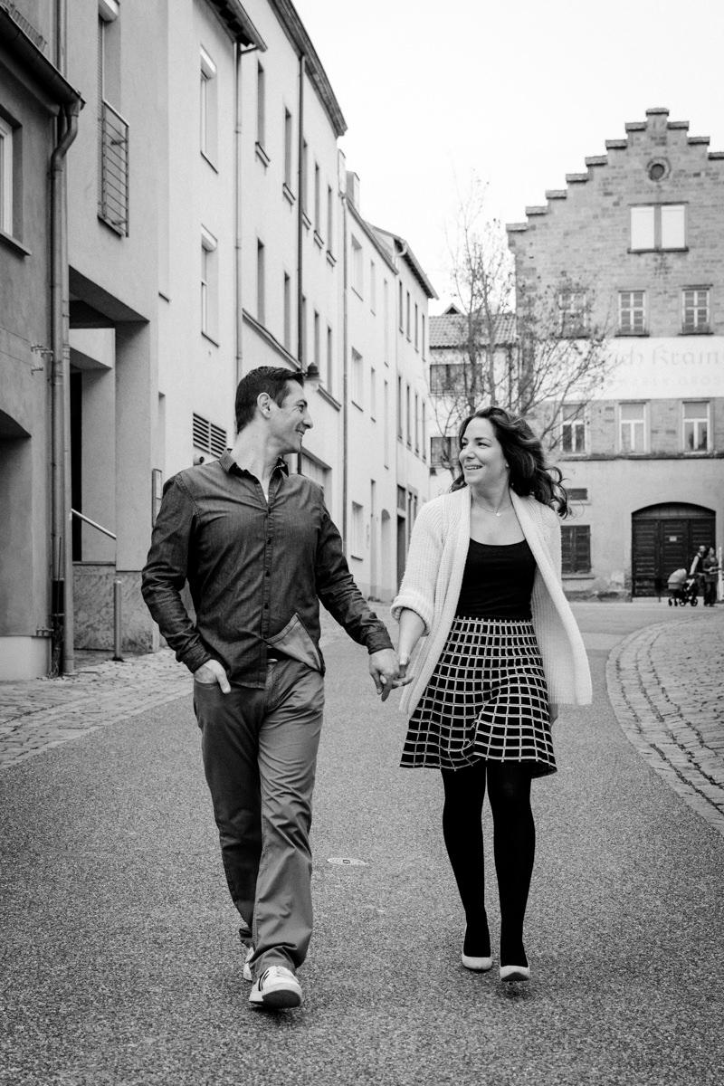 Verlobungsbilder, Engagement Schweinfurt, Paarfotoshooting, Hochzeitsfotograf Schweinfurt, Hochzeitsfotografie, Schweinfurt Altstadt Zuerch, Heiraten in Schweinfurt, Hochzeitsbilder, Heiraten 2019, Lovebirds, Verlobung, Daggi Binder