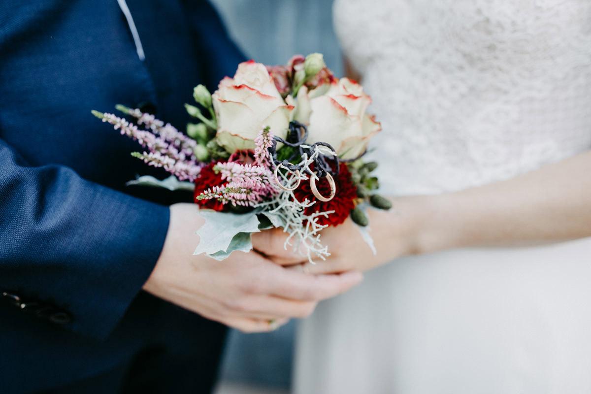 Eheschliessung, Hochzeitsfotograf Schweinfurt, HeirateninSchweinfurt, Hotel Ross, Herbsthochzeit, Hochzeitsreportage, Hochzeit Schweinfurt, Hochzeit Unterfranken, Daggi Binder, maizucker wedding
