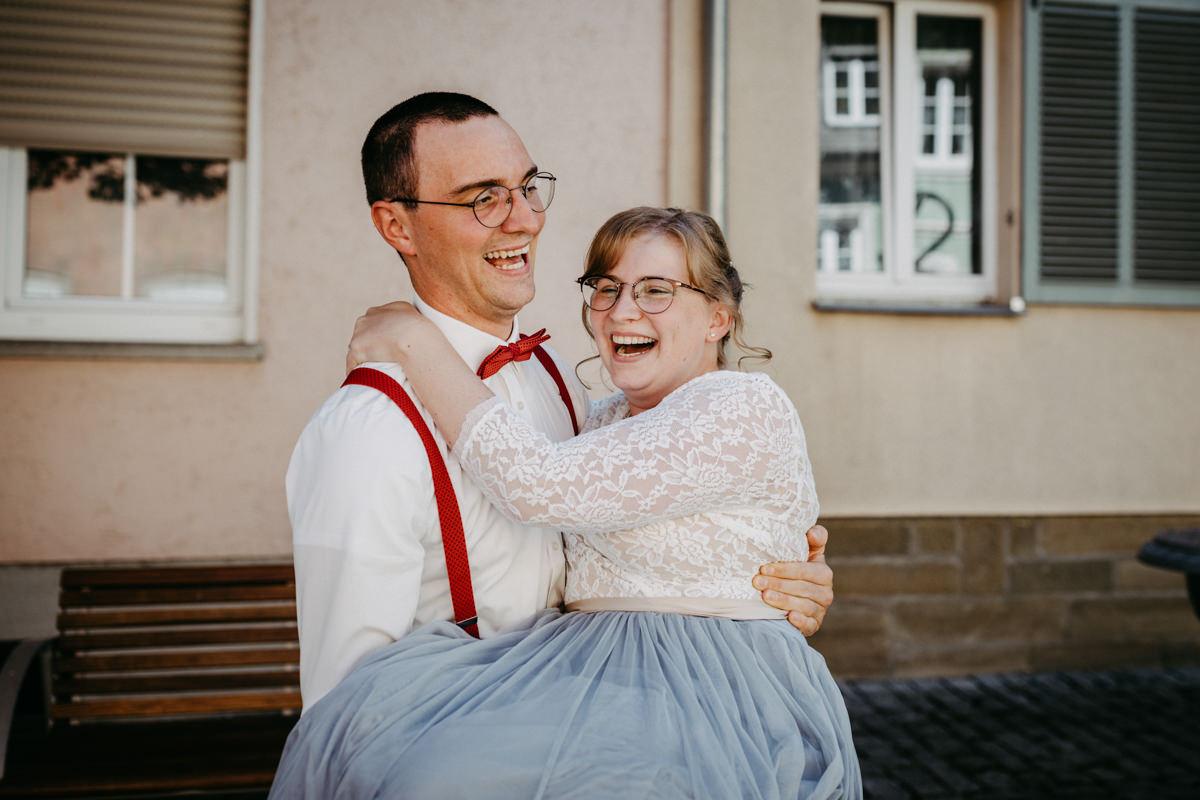 Sommerliche Vintage Hochzeit, Schweinfurt, Werneck, Hochzeitsfotograf in eurer Nähe, Emotionale Hochzeitsreportage, Hochzeitsfotos Unterfanken, maizucker